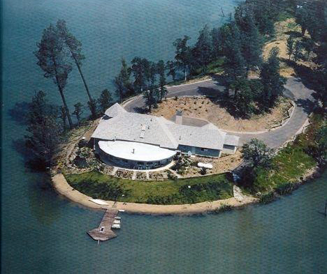 Redding CA luxury home on lake