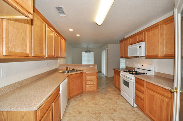 3480 Nathan Anderson Ca 96007 Kitchen